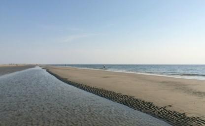 Rømøs unendlicher Strand. Hier gönnen wir uns ein herrlich erfrischendes Nordseebad nach einem heißen Tag.